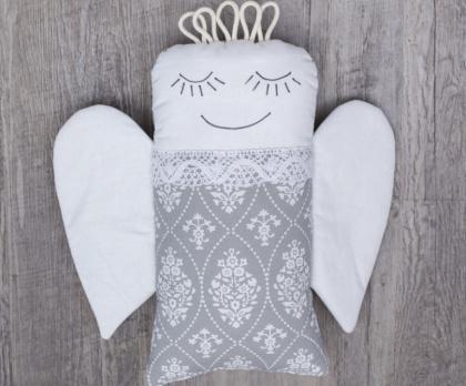 Plněný polštářek ANDĚL ornament pozitiv KRAJKA